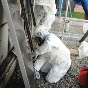Évacuation et traitement des déchets d'amiante