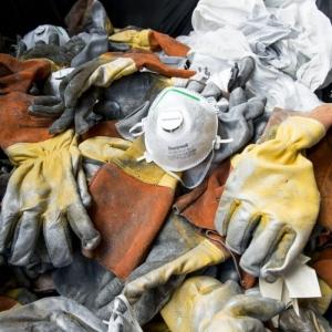 Collecte et traitement des emballages vides, chiffons ou supports souillés