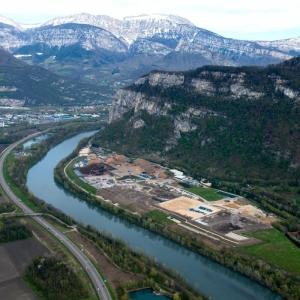 Centre de tri des déchets industriels banals (DIB) et Siège social de Lely Environnement situés à Fontaine, en Isère