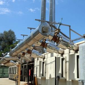 échangeurs à plaques afin de produire 90 m3/h d'eau chaude à 90°C.