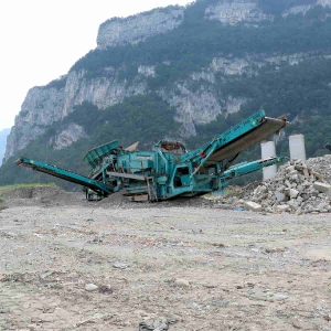 Crible vibrant double étage Powerscreen Warrior 1800
