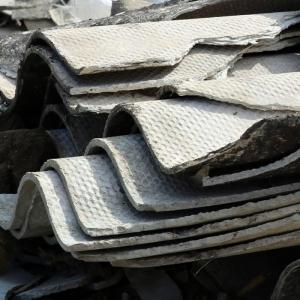 Traitement de déchets d'amiante